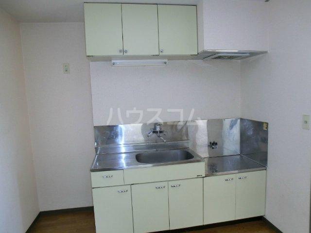エテルノⅠ 205号室のキッチン