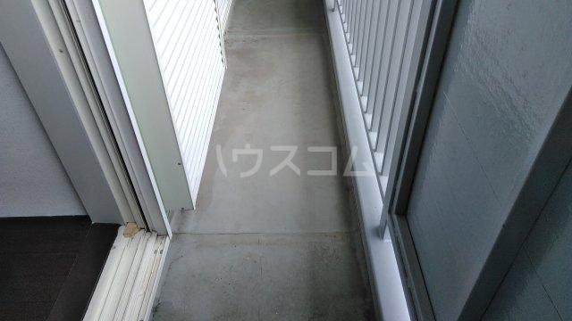 メゾン藪田 203号室のバルコニー