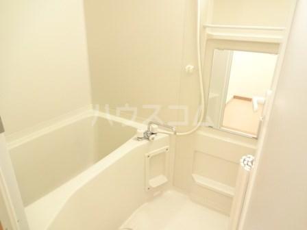 エヴァーグリーン 102号室の風呂