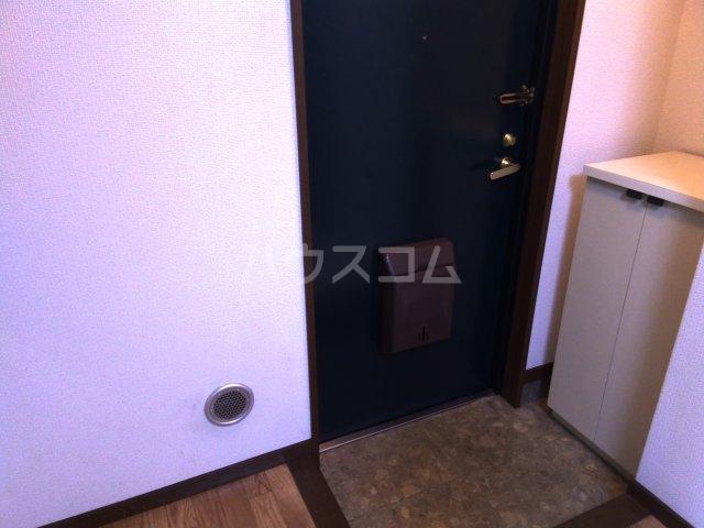 レジデンス東池袋 206号室の玄関