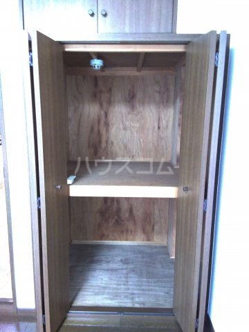 レジデンス東池袋 206号室の収納