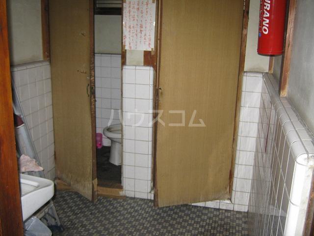 第3かしわ荘 11号室の洗面所