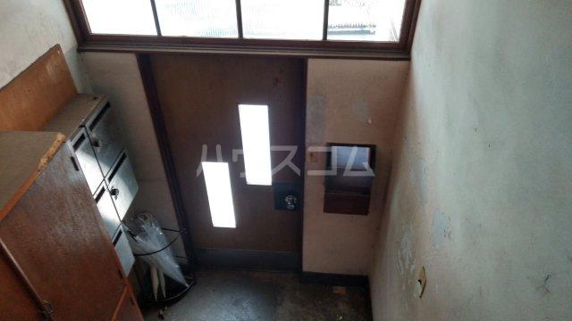 間宮荘 5号室の玄関