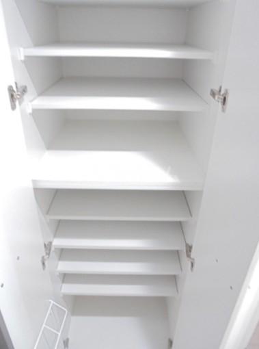 スカイコートグレース新宿中落合 103号室の収納