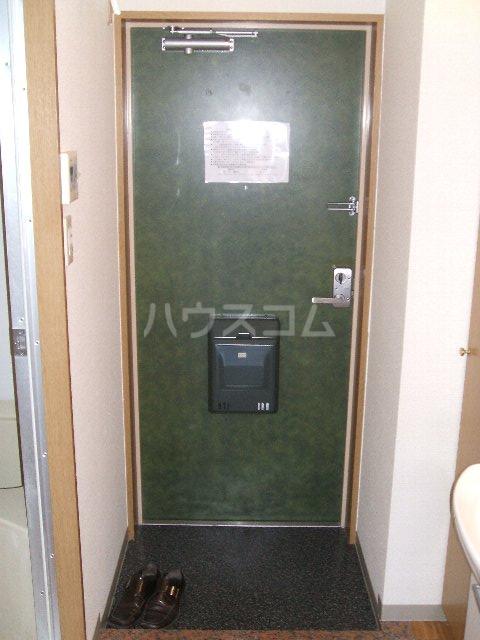 第3さくらマンション中央 403号室の玄関