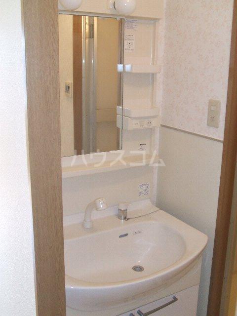 第3さくらマンション中央 403号室の洗面所