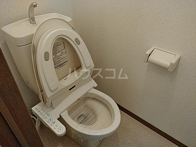 サニーサイドコーポ川西 102号室のトイレ