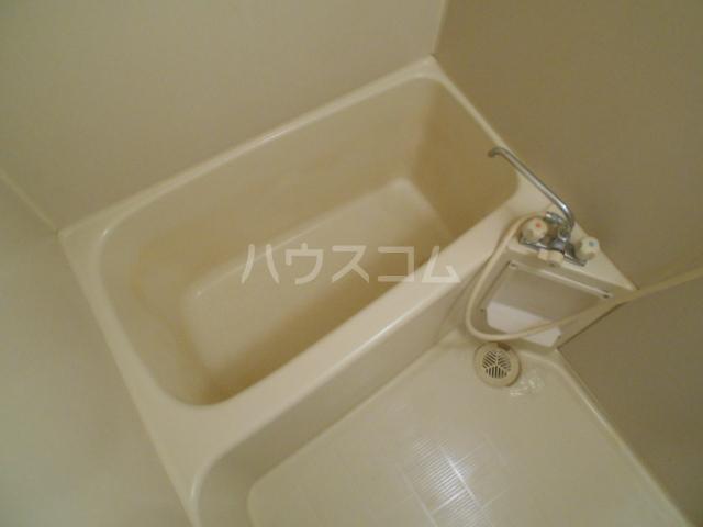 サープラスワンさくら 206号室の風呂