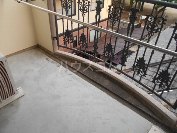 フォルツァ小牧 203号室のバルコニー