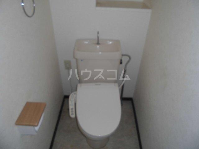 アパートメントハウス朴の樹 402号室のトイレ