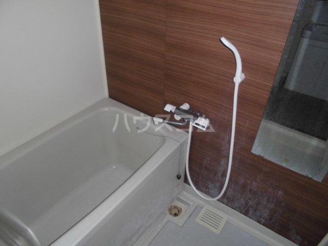 アパートメントハウス朴の樹 402号室の風呂