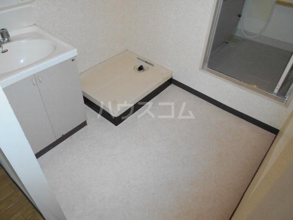 レジデンス萱場B 203号室の設備