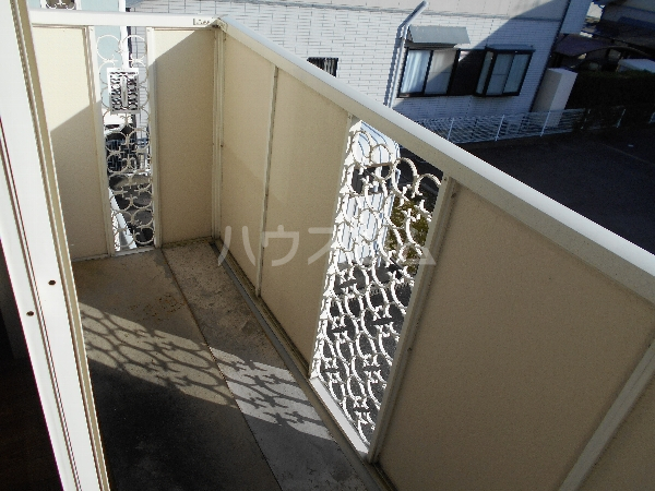 レジデンス萱場B 203号室のバルコニー