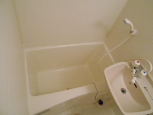 サンパティーク 4D号室の風呂