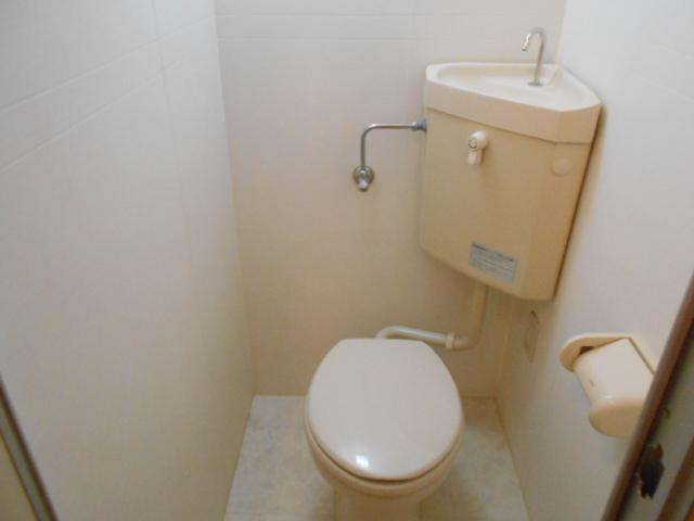 サンパティーク 4D号室のトイレ