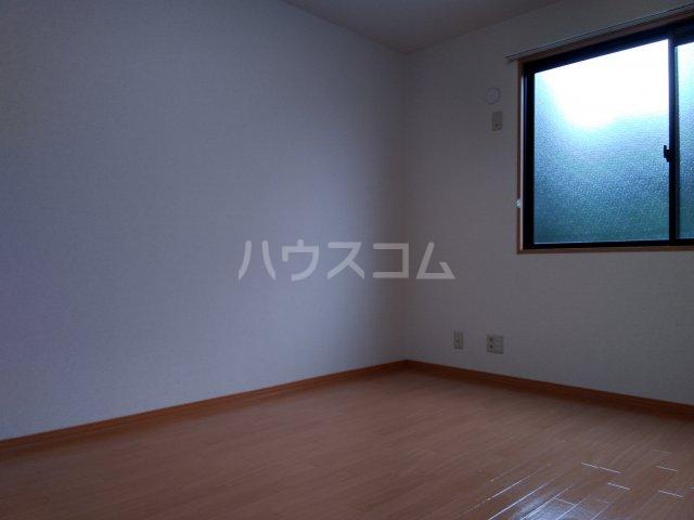 メゾンクレール 202号室の居室