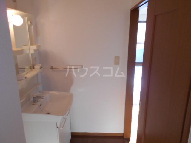 ルーチェ・Ⅰ 201号室の洗面所