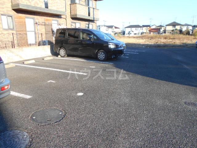 ルーチェ・Ⅰ 201号室の駐車場
