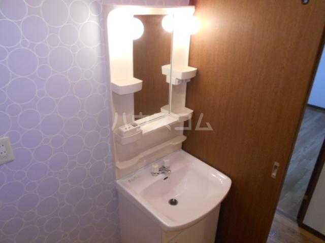 マ・メゾン小牧原 南館 103号室の洗面所