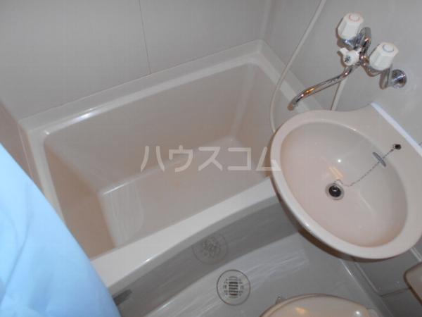 ATAGO7 403号室の洗面所