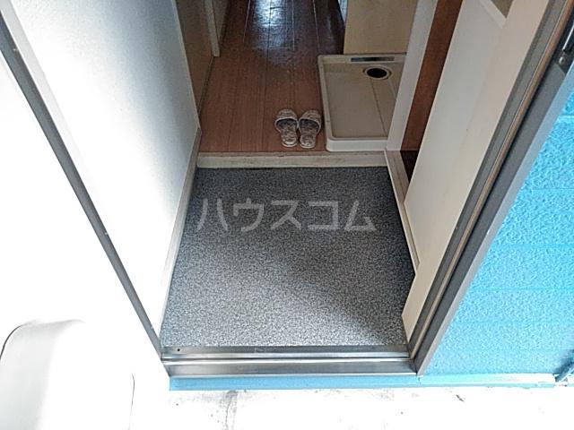 セラヴィ宮野木 202号室の玄関
