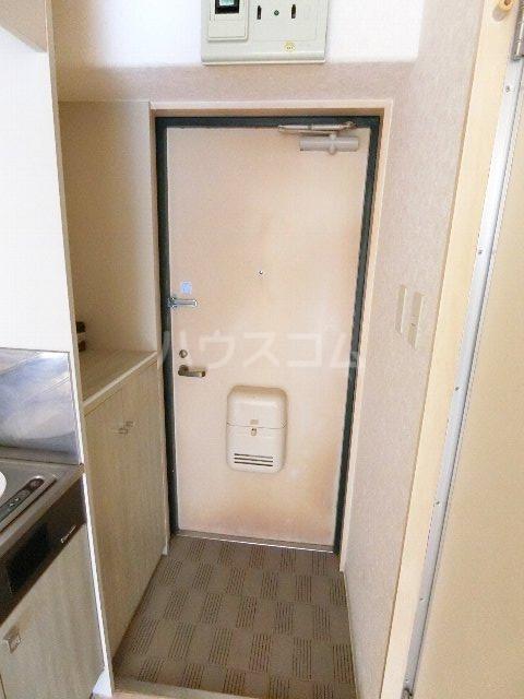 メゾン・ド・祇園 808号室の玄関