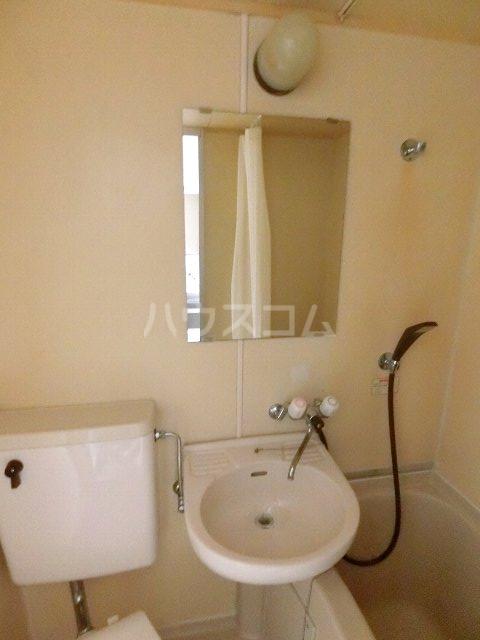 メゾン・ド・祇園 808号室の洗面所