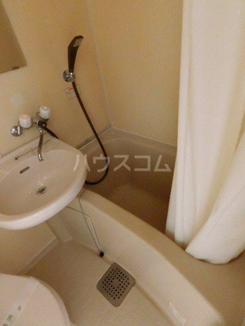 メゾン・ド・祇園 808号室の風呂