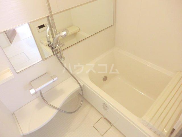 レヴァータ 203号室の風呂