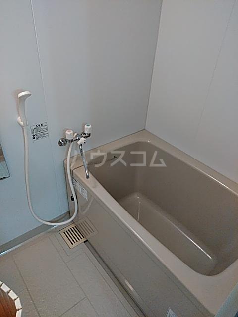 ロイヤルパール 402号室の風呂
