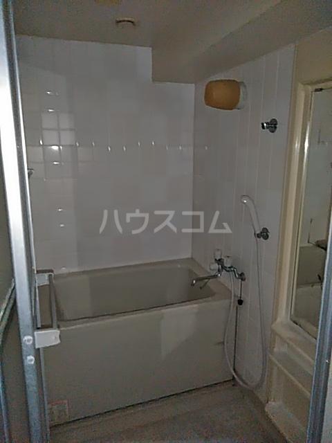 クリスタルマンション 305号室の風呂