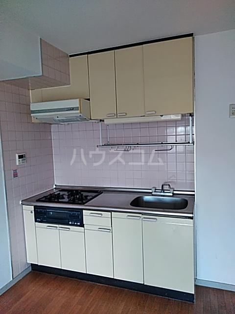 クリスタルマンション 305号室のキッチン
