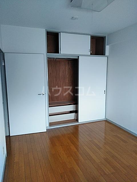 クリスタルマンション 305号室のベッドルーム
