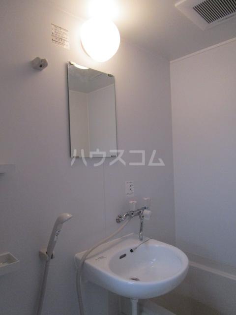 第3小柳コーポ 107号室の洗面所