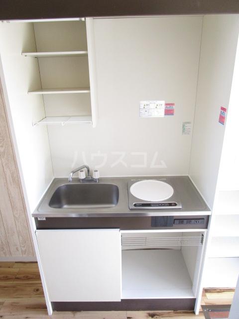 カーサ元町 A-202号室のキッチン