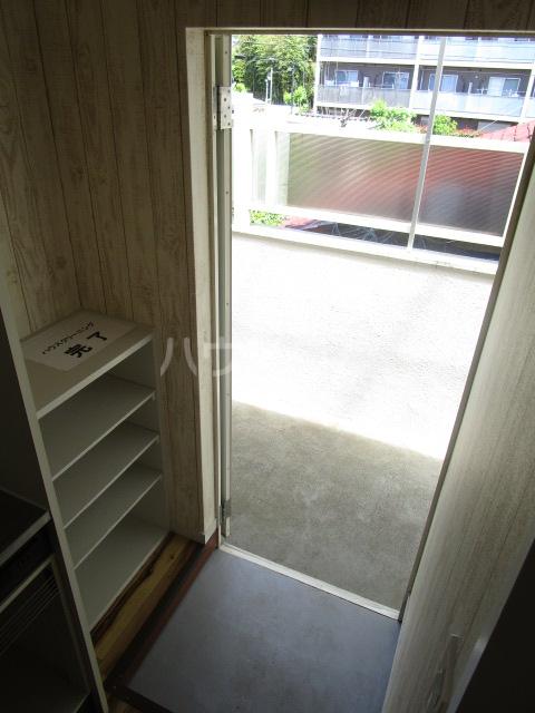 カーサ元町 A-202号室のバルコニー