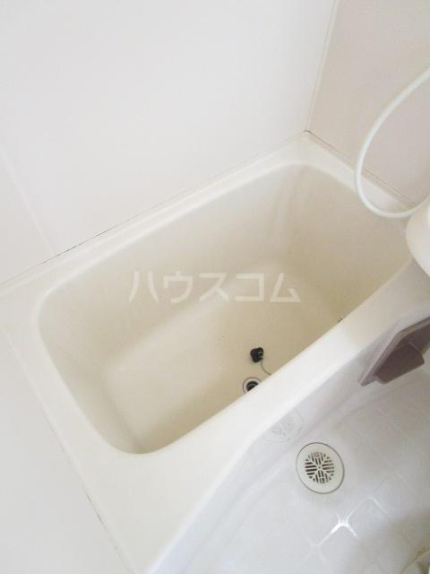 カーサ元町 A-202号室の風呂