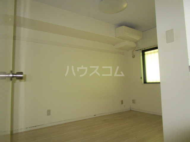 サンモール恋ヶ窪 102号室のベッドルーム
