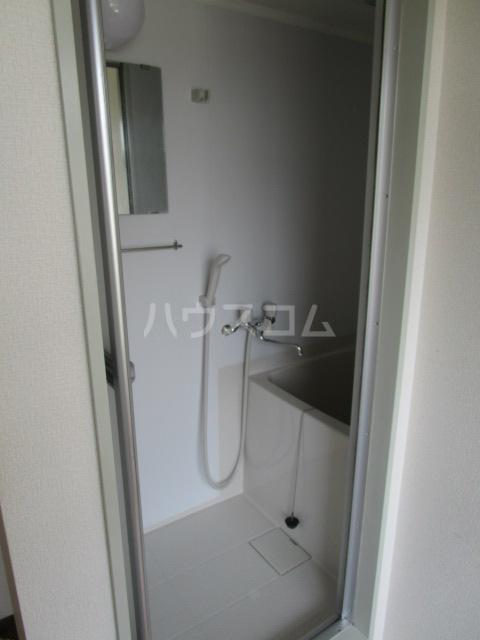 足立ハウス 2F号室の風呂
