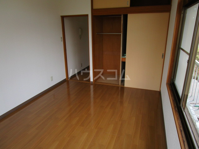 足立ハウス 2F号室の居室