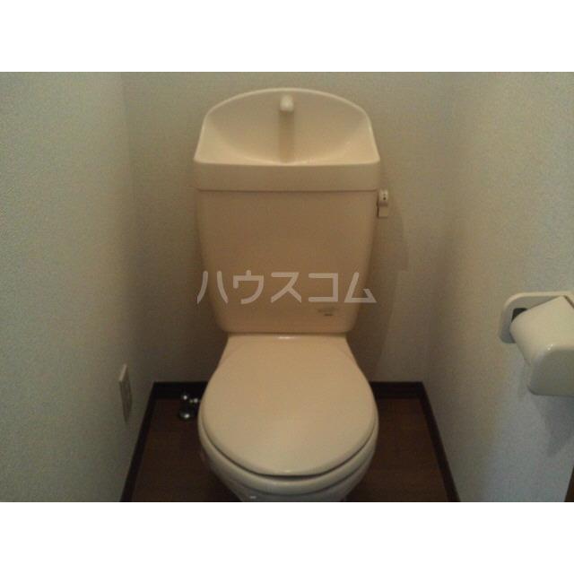 アンプルール リーブル フロール 102号室のトイレ