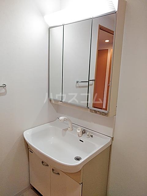 レジデンス松原 102号室の洗面所