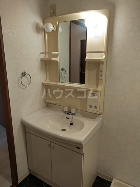 コートアルカディア A棟 201号室の洗面所