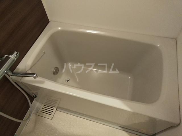 コートアルカディア A棟 201号室の風呂