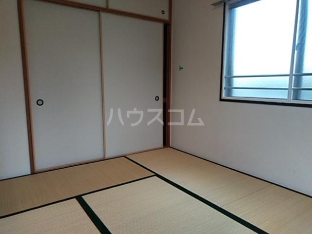 コートアルカディア A棟 201号室の居室