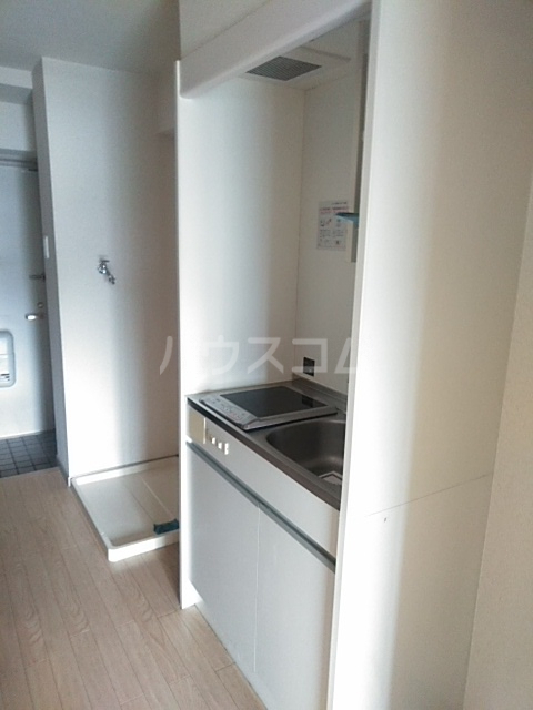 ジュネス庄内緑地 407号室のキッチン