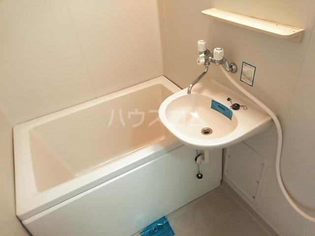 ジュネス庄内緑地 407号室の風呂