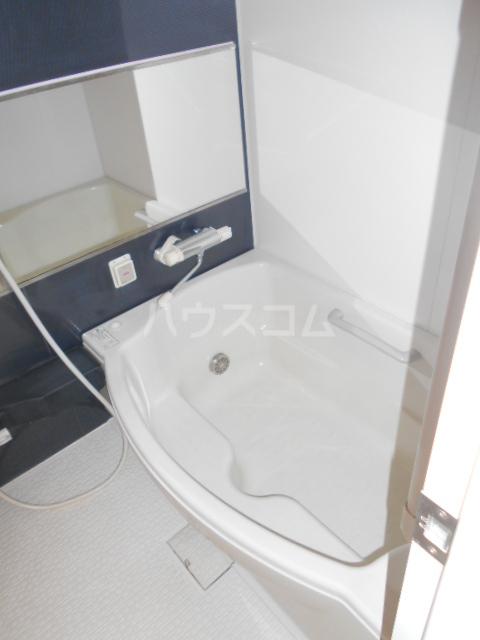 Seven Four 402号室の風呂
