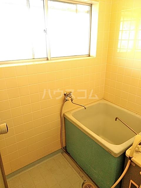 ガーデン文ヶ岡 A 205号室の風呂