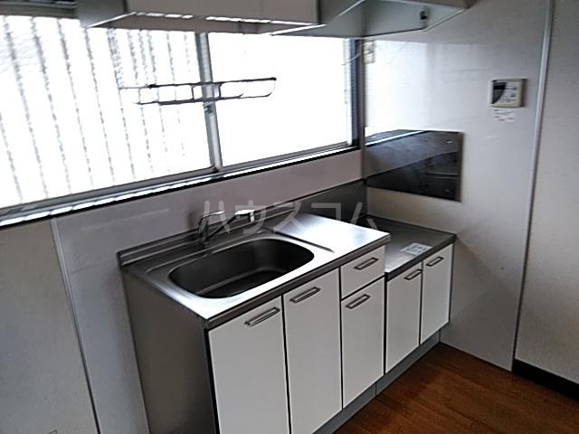カトレアハイツ 202号室のキッチン
